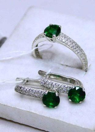 Набор кольцо и серьги серебро 925 проба зеленый