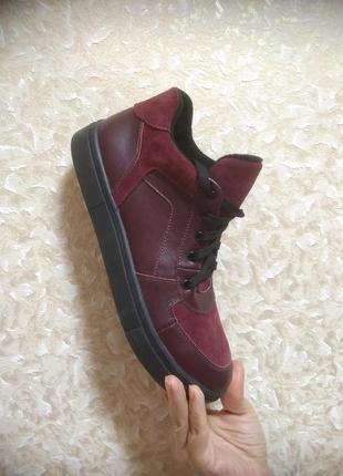 Кеды - кроссовки высокие цвет марсал,40 размер