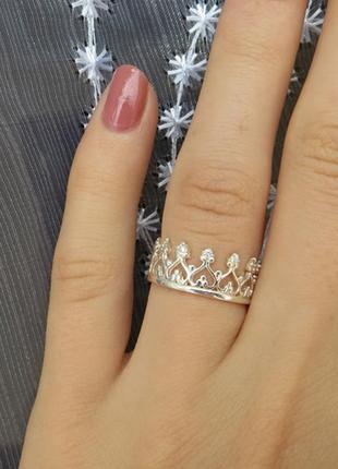 Кольцо шикарное корона с камнями