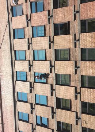 Мойка окон, мойка фасада альпинистами, мойка фасадов, высотный...