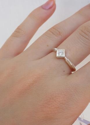 Кольцо с квадратом