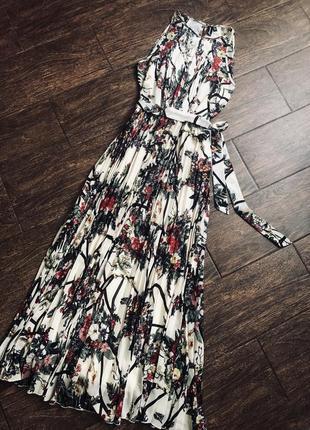Потрясающее цветочное  платье плиссе