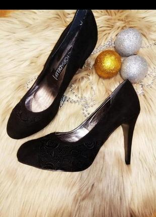 Туфли с вышивкой viktoria delef