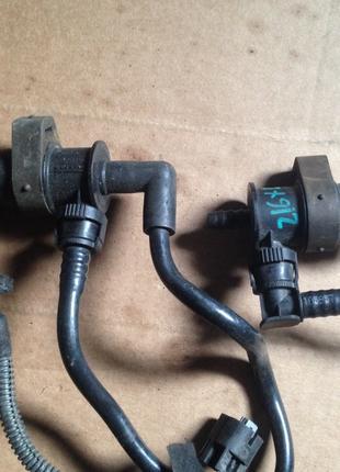 Клапан датчик вентиляции бака Оpel Astra H Zafira 13105950