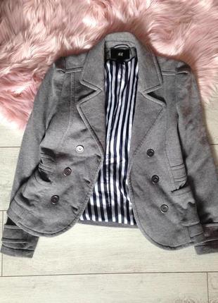 Стильный пиджак куртка трикотаж