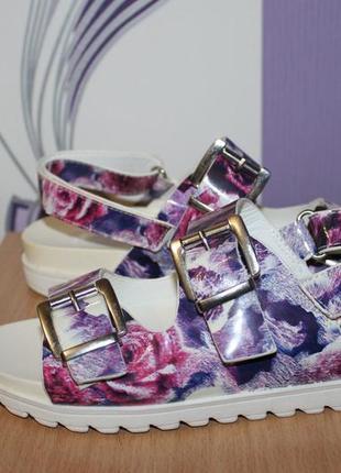Цветочные босоножки сандалии на тракторной подошве atmosphere ...
