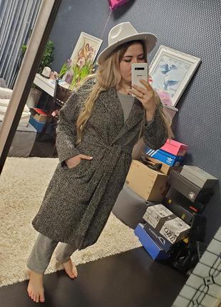 Пальто 70% вовна шерсть букле с поясом и карманами