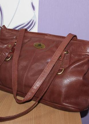 Красивая брендовая кожаная сумка rowallan