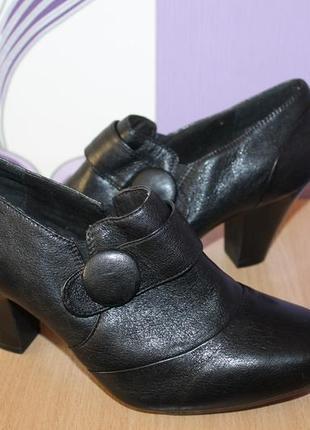 Кожаные туфли ботильоны ботиночки clarks разм 40 сост новых