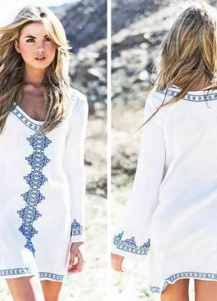 Белая пляжная туника с вышивкой. белое пляжное платье