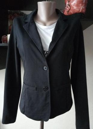 Трикотажный пиджак