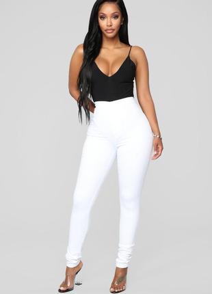 Белые джинсы, скины. талия на резинке. denim go
