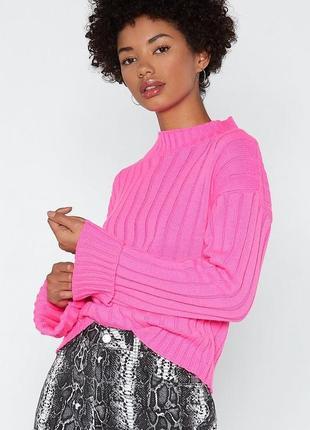 Вязаный свитер расклешенный рукав. яркий свитер оверсайз