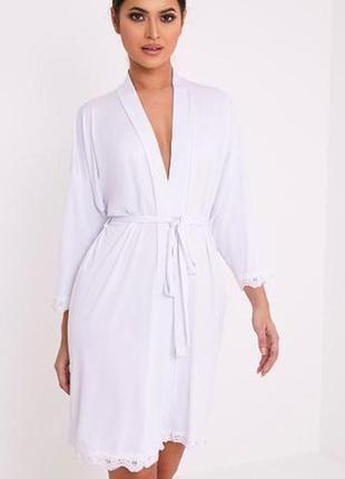 Белый халат bride. халат с кружевом prettylittlething