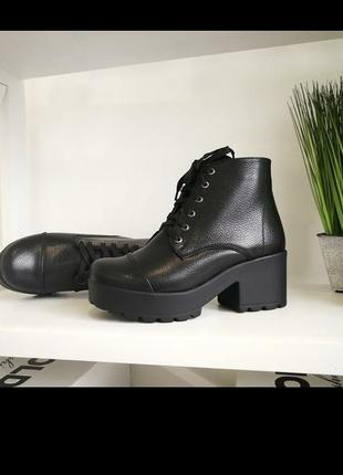 Ботинки женские кожаные  тракторная подошва каблуке