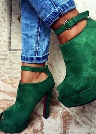 Женские босоножки на високом каблуке замша темно зеленый