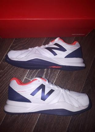 Кожаные кроссовки new balance