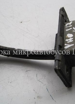 Ограничитель передней двери Мерседес Вито 638 б/у (Mercedes Vito)