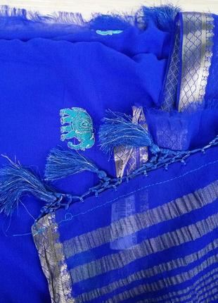 Традиционное индийское платье сари