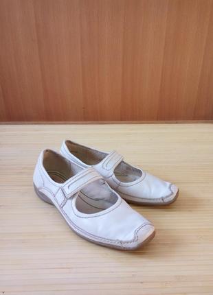 Белые кожаные туфли tanaris