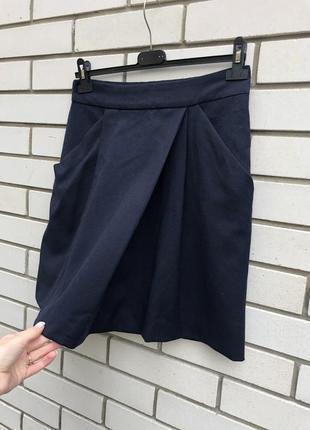 Красивая,темно-синяя юбка,карманы по боку,имитация на запах, zara