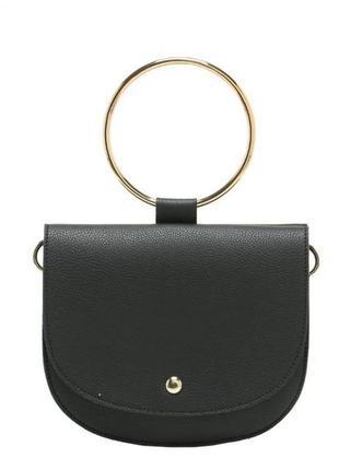 Стильная черная маленькая сумка с металлической ручкой