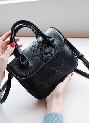 Маленькая крутая черная сумка через плечо под рептилию, со зме...