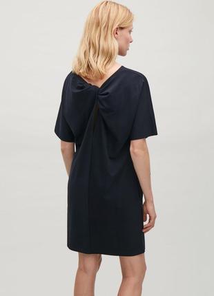 Темно-синее платье оригинальное cos