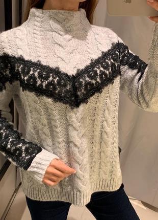 Серый свитер с кружевом свитерок reserved есть размеры