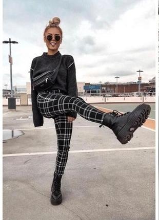 Ботинки женские черные на тракторной подошве  под мартинсы