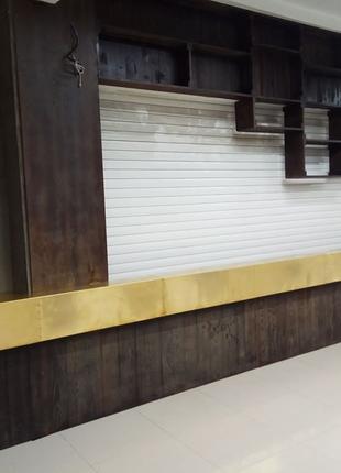 Изготавливаем торговое оборудование: барные стойки, витрины и т.д