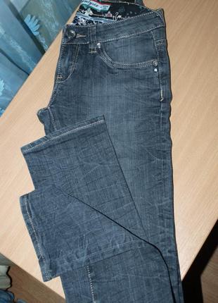 Качественные джинсы -25-26