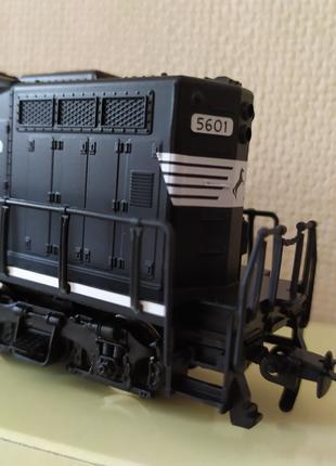 Паровоз тепловоз электровоз локомотив Norfolk Southern 5601 H0