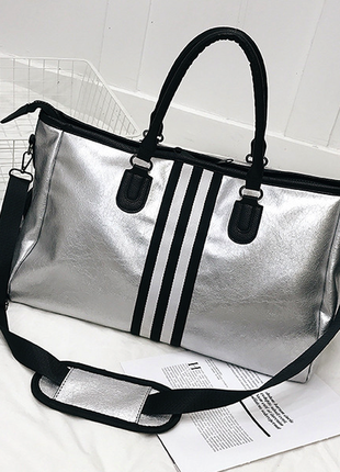 Спортивная либо дорожная сумка из экокожи, с карманом для обуви