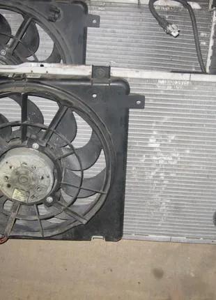 Вентилятор радиатора кондиционера Opel Astra H Zafira B