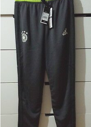 Спортивные  штаны фирменные adidas