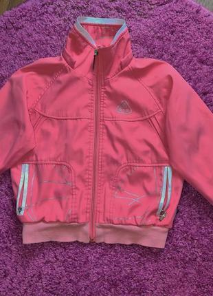 Легкая куртка ветровка лососевого цвета со светоотражающими эл...