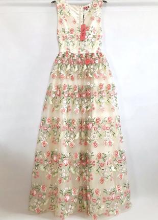 Невероятной красоты платье макси с вышивкой  на сеточке. выпус...