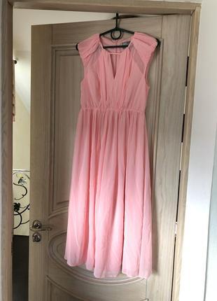 Легкое зефирно розовое коктейльное платье миди