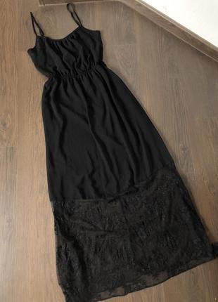 Платье с кружевом в бельевом стиле