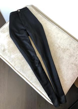 Штаны под кожу на высокой посадке на талии