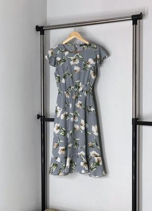 Милое платье в цветочный принт shein