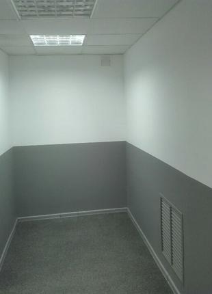 Покраска стен и потолков.
