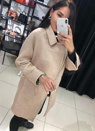 Трендовое кашемировое пальто