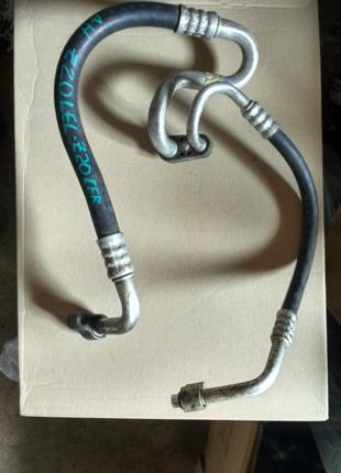Трубка кондиционера 2.0 turbo Opel Astra H 13115043 UE1