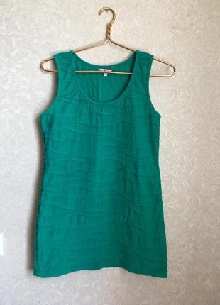 Короткое красивое зелёное платье