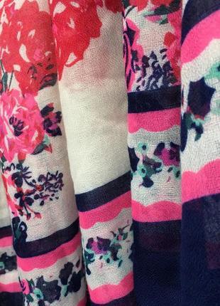 Большой красивый шарф, палантин в цветы