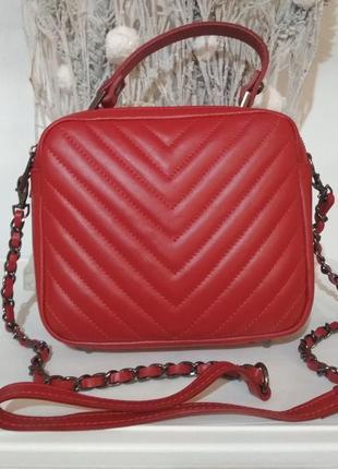 Кожаная сумочка-кроссбоди с ручкой vera pelle италия