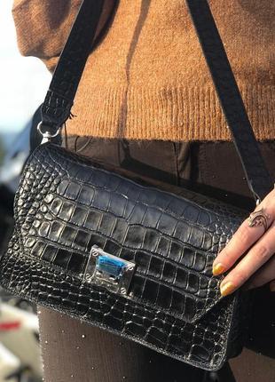 Стильные кожаные сумочки из новой коллекции