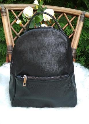 Лёгенький и практичный рюкзак из натуральной кожи чёрный